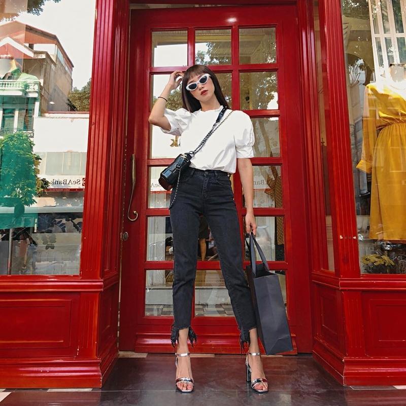 Thúy Vi tự tin phô trương eo thon ngực khủng - Hòa Minzy khoe street style chất lừ ở Paris-8