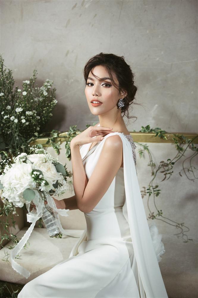 Những chiếc váy cưới đẹp như cổ tích của 5 cô dâu đình đám nhất showbiz Việt năm 2018-1