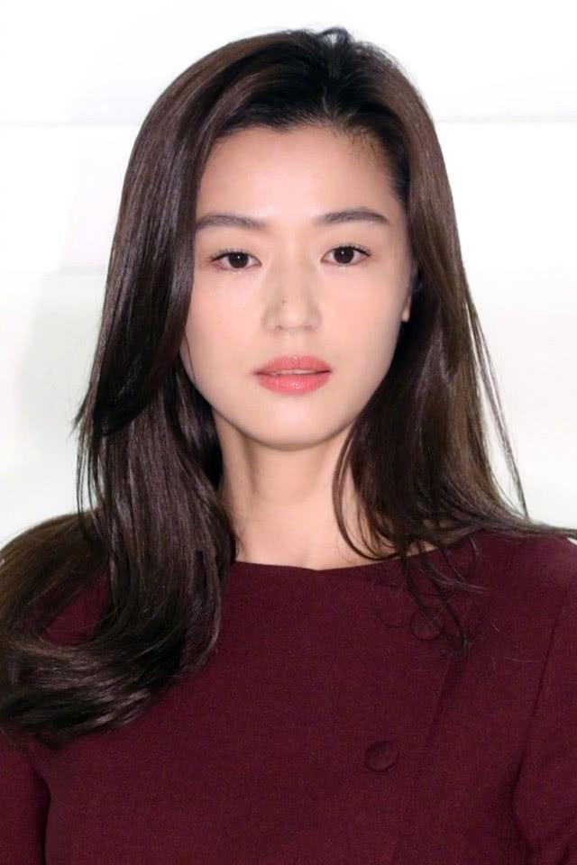 Sau 10 tháng nghỉ sinh con, mợ chảnh Jeon ji Hyun khoe vóc dáng hoàn hảo cùng nhan sắc đẹp không tì vết-2