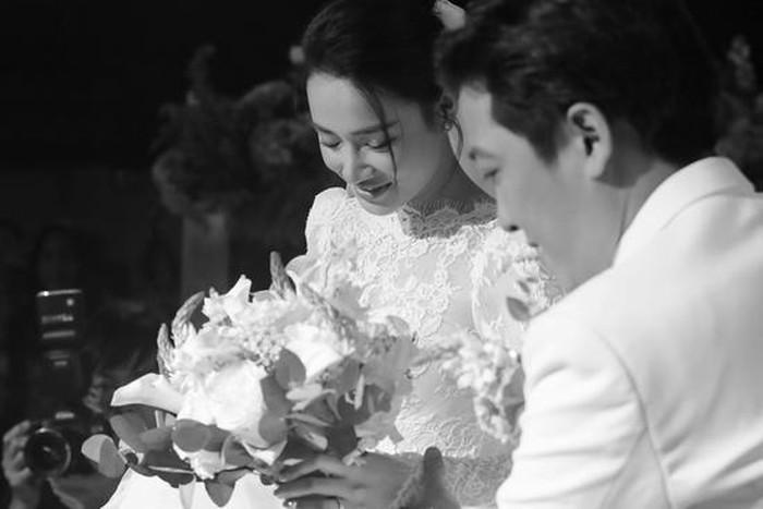 Sáng Trường Giang nói lời cảm ơn, chiều Nhã Phương khoe khoảnh khắc có 1-0-2 trong đám cưới thế kỷ-3