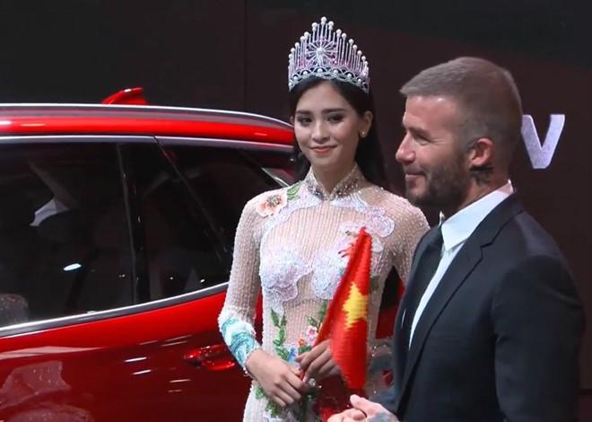Mỹ nhân Việt nào sở hữu nhan sắc xứng đôi nhất khi chụp hình cùng cựu danh thủ David Beckham?-1