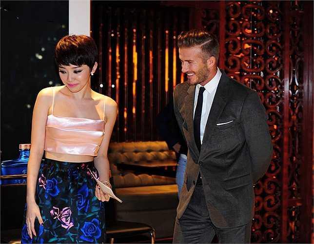 Mỹ nhân Việt nào sở hữu nhan sắc xứng đôi nhất khi chụp hình cùng cựu danh thủ David Beckham?-7
