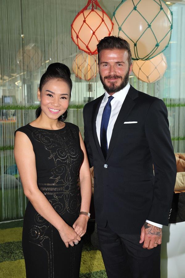 Mỹ nhân Việt nào sở hữu nhan sắc xứng đôi nhất khi chụp hình cùng cựu danh thủ David Beckham?-16