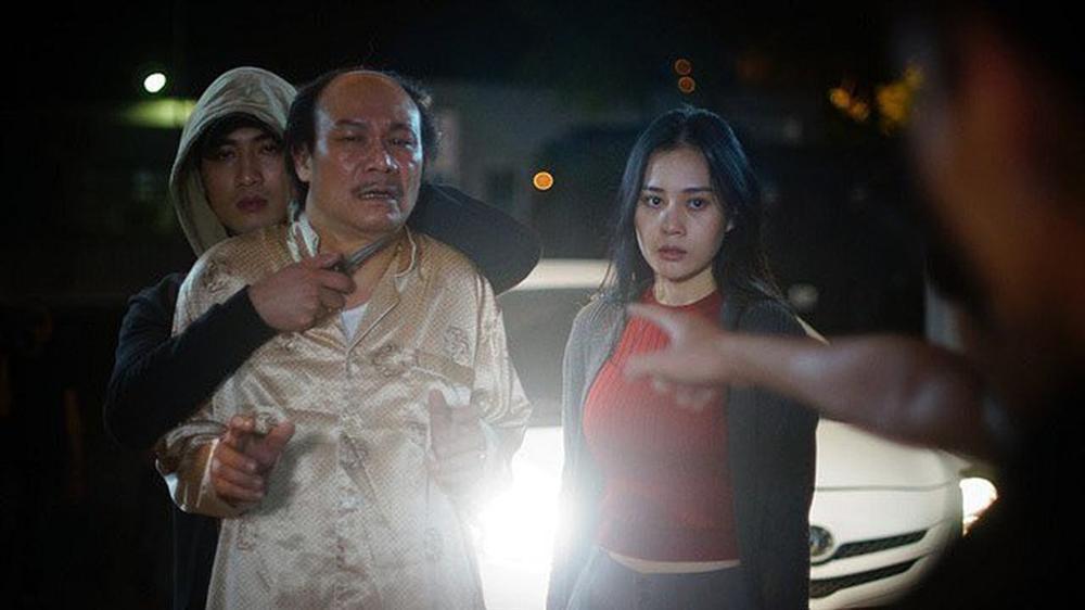Bị chê hôn Quỳnh Búp Bê kém sang, Doãn Quốc Đam phản pháo: Tôi hôn bẩn, diễn ngu... Xem phimđi rồi hãy phán-2
