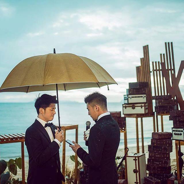Bộ ảnh cưới đẹp như phim điện ảnh của cặp đôi đồng tính ví như bước ra từ thế giới đam mỹ-7