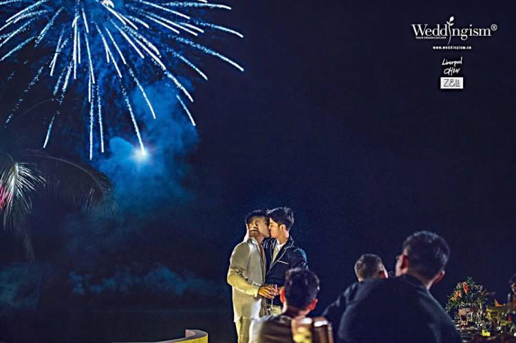 Bộ ảnh cưới đẹp như phim điện ảnh của cặp đôi đồng tính ví như bước ra từ thế giới đam mỹ-10