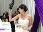 Cô dâu trẻ CƯỜI NHƯ NẮC NẺ nhớ lại màn tiễn nhà gái ra về 'bá đạo' trong ngày cưới