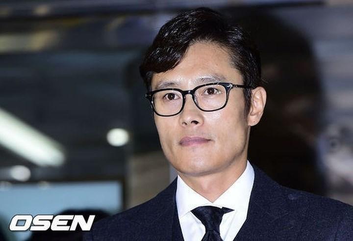 Những vụ bê bối rúng động showbiz Hàn trong 20 năm qua-7