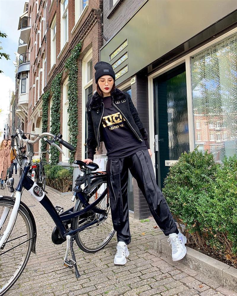 Nhã Phương - Trường Giang diện đồ đôi tình tứ, Đỗ Mỹ Linh bất ngờ khoe street style gợi cảm khi hết nhiệm kì Hoa hậu-7