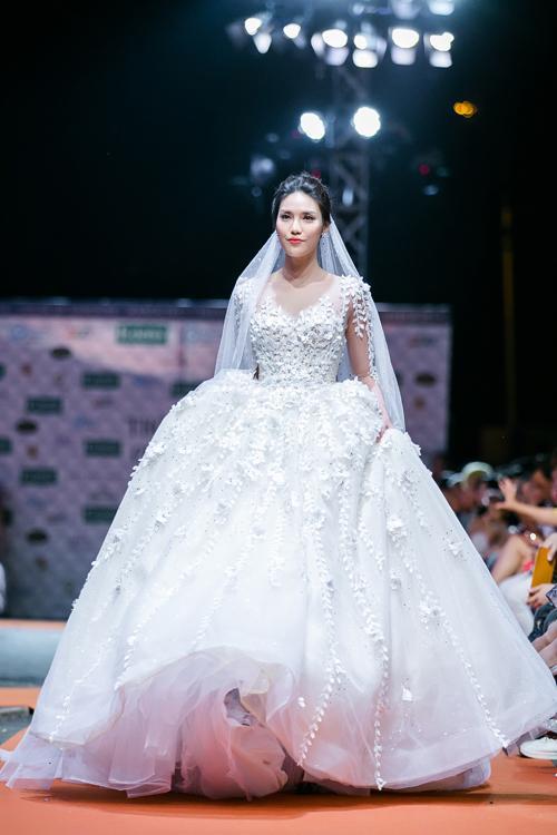 Đám cưới Lan Khuê và điểm đặc biệt chưa từng xuất hiện trong bất kỳ đám cưới nào dù là sao hạng A-5