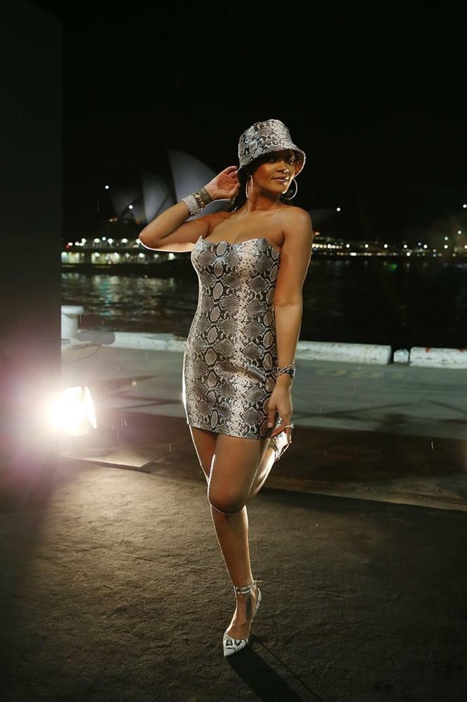 Cách phối đồ lạ mắt chỉ có ở Rihanna-3