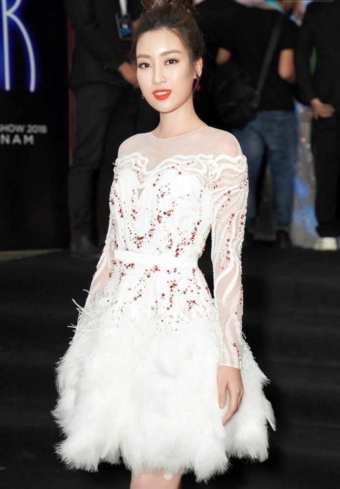 Cùng chặt chém trong mẫu váy thiên nga, Đỗ Mỹ Linh vượt mặt Quỳnh Thư nhờ layout trang điểm tươi tắn-5