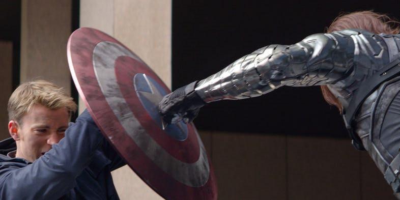 13 khoảnh khắc đáng nhớ nhất của Captain America Chris Evans ở MCU-8