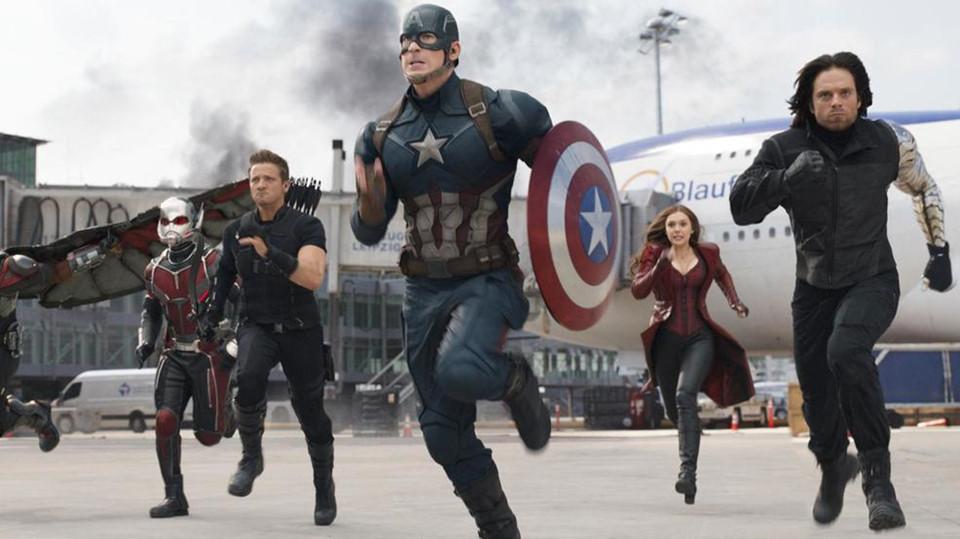 13 khoảnh khắc đáng nhớ nhất của Captain America Chris Evans ở MCU-10