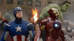 13 khoảnh khắc đáng nhớ nhất của 'Captain America' Chris Evans ở MCU