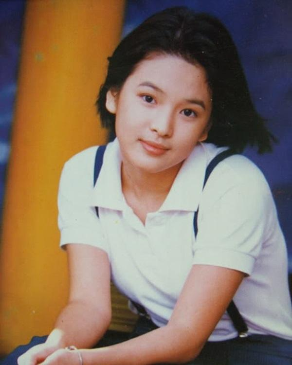 Nhan sắc nữ chính 3 phiên bản Hậu duệ mặt trời: Khả Ngân lép vế trước Song Hye Kyo và siêu mẫu xứ Đài-3