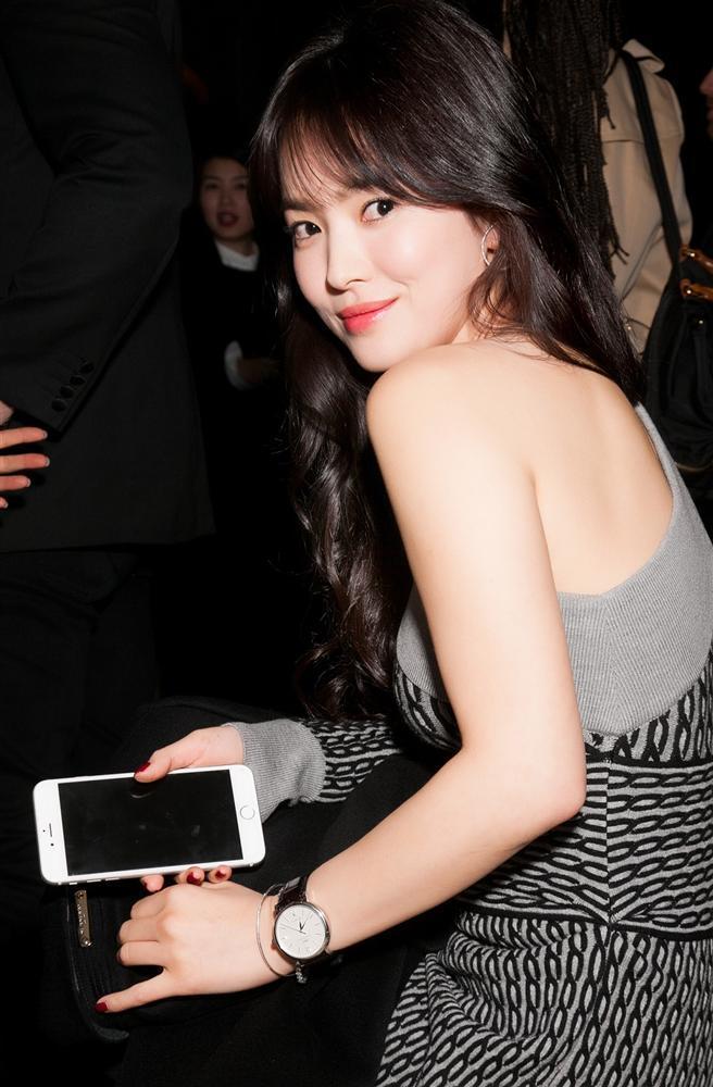 Nhan sắc nữ chính 3 phiên bản Hậu duệ mặt trời: Khả Ngân lép vế trước Song Hye Kyo và siêu mẫu xứ Đài-5