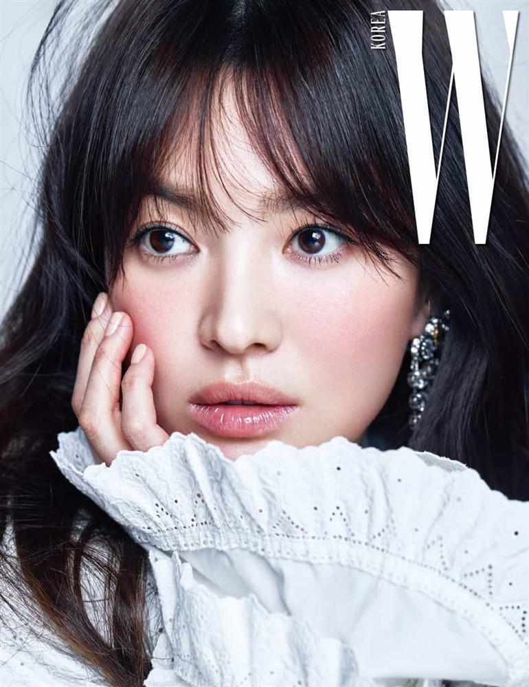 Nhan sắc nữ chính 3 phiên bản Hậu duệ mặt trời: Khả Ngân lép vế trước Song Hye Kyo và siêu mẫu xứ Đài-6
