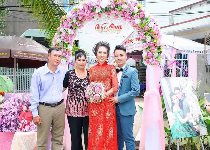 Đám cưới đặc biệt của cặp đôi cô dâu NAM, chú rể NỮ gây xôn xao cộng đồng LGBT-3