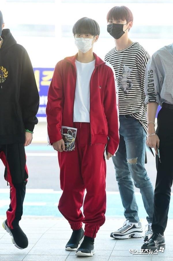 BTS, Joy và loạt sao Hàn gợi ý phong cách thời trang sân bay ấn tượng cho mùa thu-9