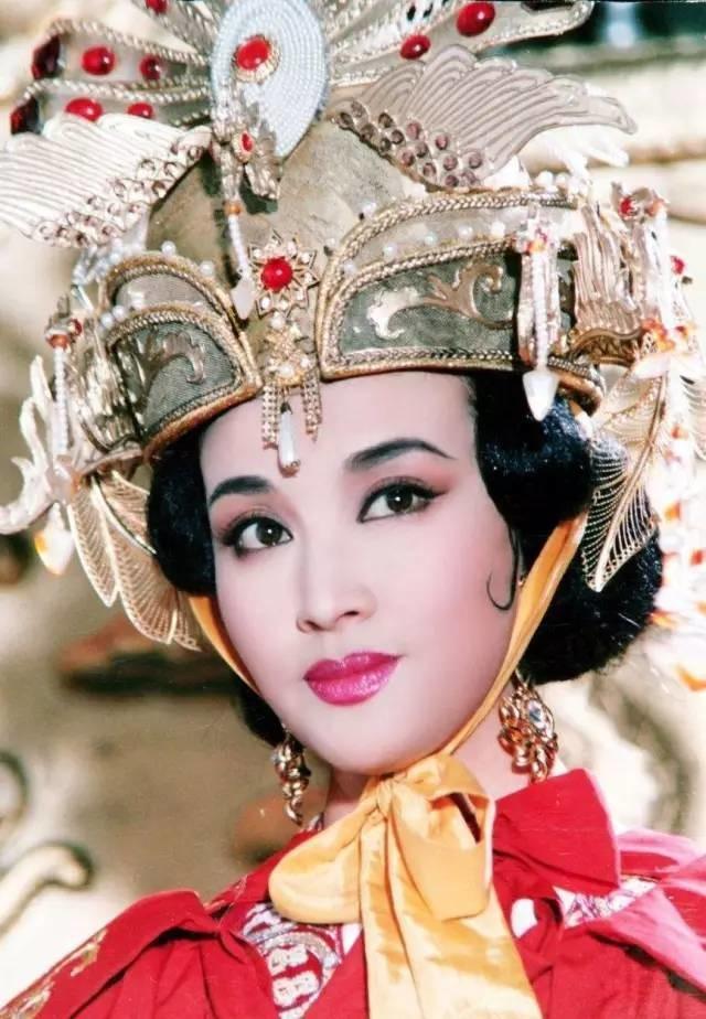 Nổi tiếng với vai Võ Mỵ Nương, 3 đại mỹ nhân lẫy lừng người trốn thuế khốn đốn, kẻ cay đắng đường tình-2