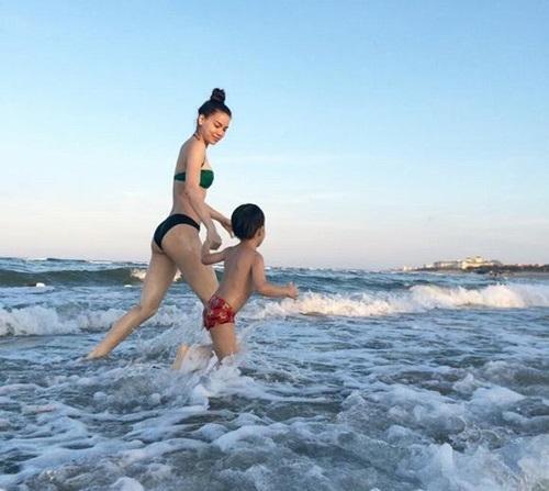 Đẳng cấp Hồ Ngọc Hà: Chỉ đi bơi thôi cũng phải trang điểm, bôi son thật kỹ-19