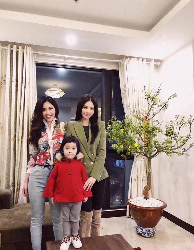 Chân dung cô em gái xinh đẹp, giỏi giang lấn lướt Hoa hậu nhà giàu Jolie Nguyễn-3