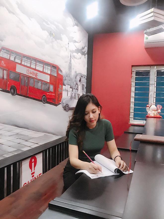 Chân dung cô em gái xinh đẹp, giỏi giang lấn lướt Hoa hậu nhà giàu Jolie Nguyễn-10