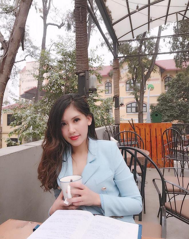 Chân dung cô em gái xinh đẹp, giỏi giang lấn lướt Hoa hậu nhà giàu Jolie Nguyễn-11