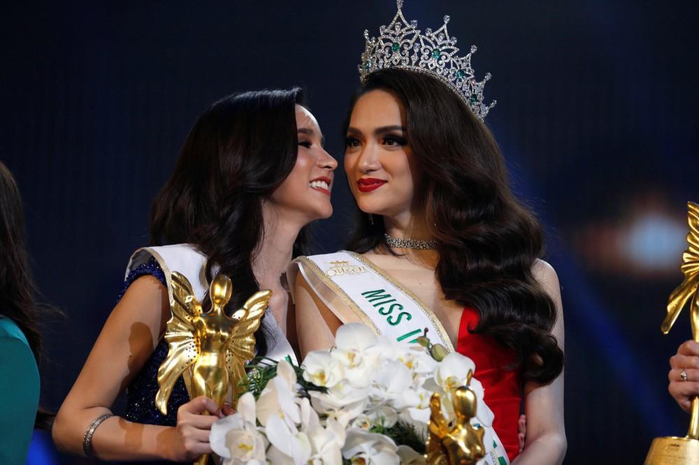 Hoa hậu Việt đăng quang năm 2018: Người phủ sóng truyền thông, kẻ lặn mất tăm khỏi showbiz-1
