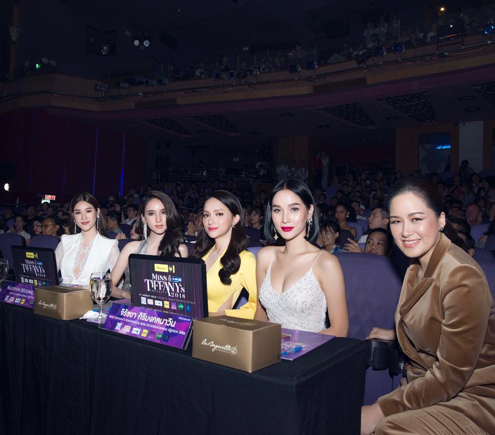 Hoa hậu Việt đăng quang năm 2018: Người phủ sóng truyền thông, kẻ lặn mất tăm khỏi showbiz-6