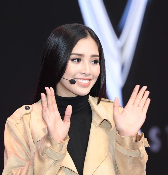 Hoa hậu Việt đăng quang năm 2018: Người phủ sóng truyền thông, kẻ lặn mất tăm khỏi showbiz-10