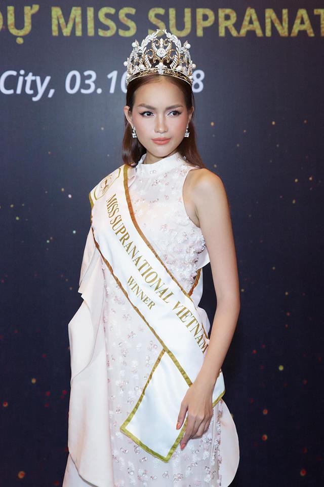 Hoa hậu Việt đăng quang năm 2018: Người phủ sóng truyền thông, kẻ lặn mất tăm khỏi showbiz-13
