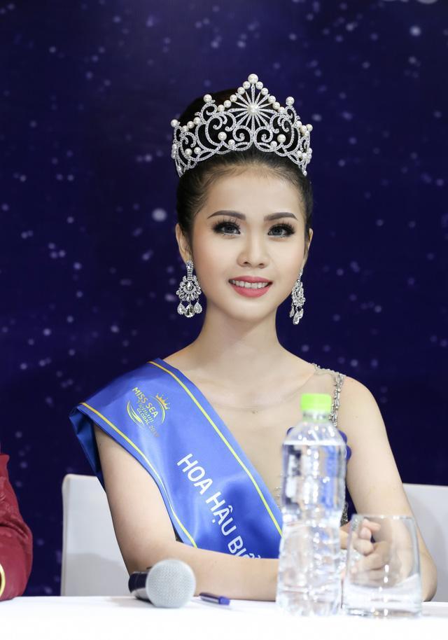 Hoa hậu Việt đăng quang năm 2018: Người phủ sóng truyền thông, kẻ lặn mất tăm khỏi showbiz-14