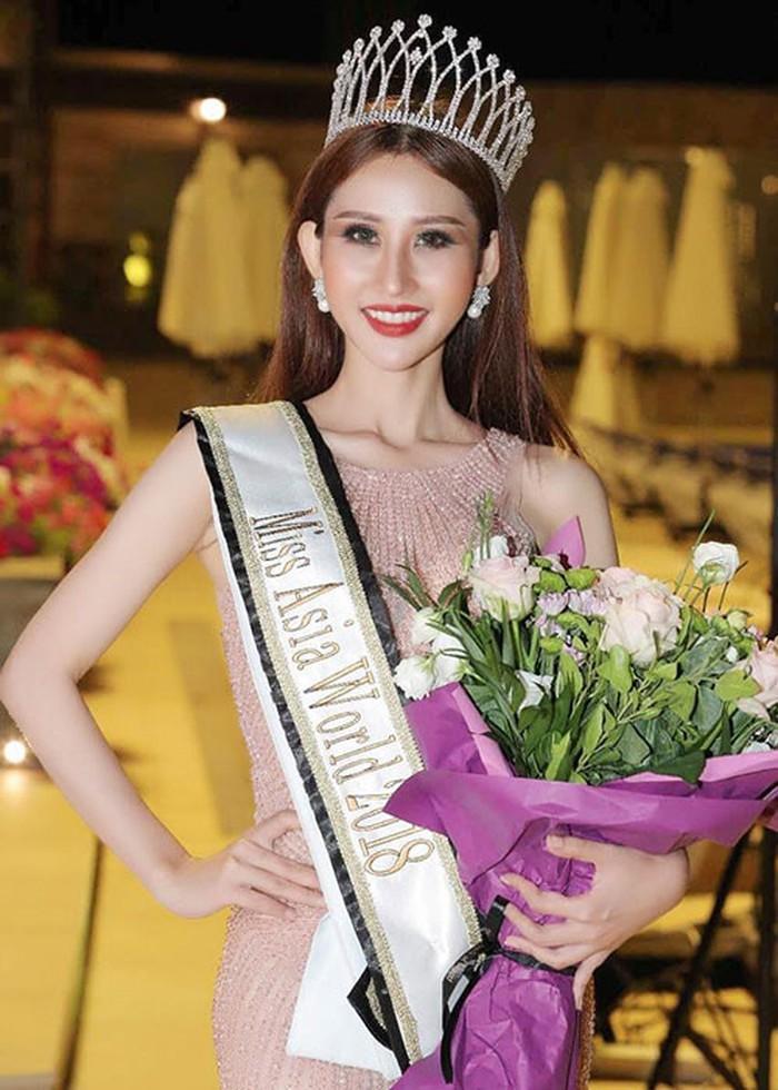 Hoa hậu Việt đăng quang năm 2018: Người phủ sóng truyền thông, kẻ lặn mất tăm khỏi showbiz-24