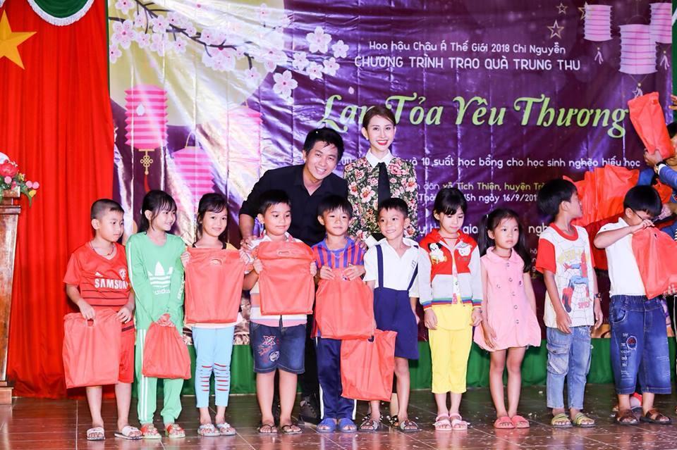 Hoa hậu Việt đăng quang năm 2018: Người phủ sóng truyền thông, kẻ lặn mất tăm khỏi showbiz-26