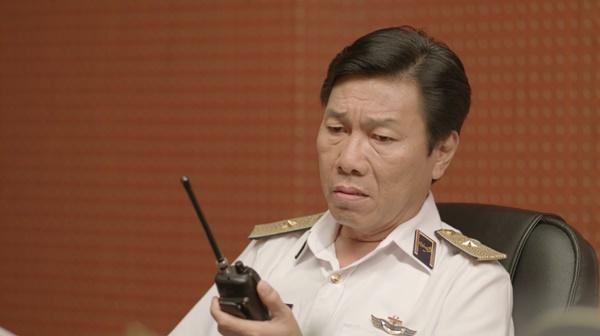 Hậu duệ mặt trời Việt Nam: Bất chấp nguy hiểm, Song Luân bảo vệ Khả Ngân hoàn thành nhiệm vụ cứu người-7