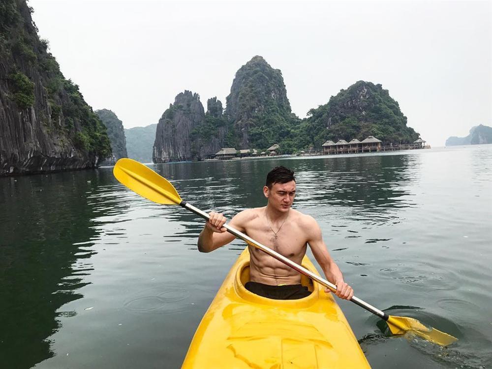 4 anh chàng lai Việt - Nga đẹp trai, cao ráo được ví như cực phẩm-7