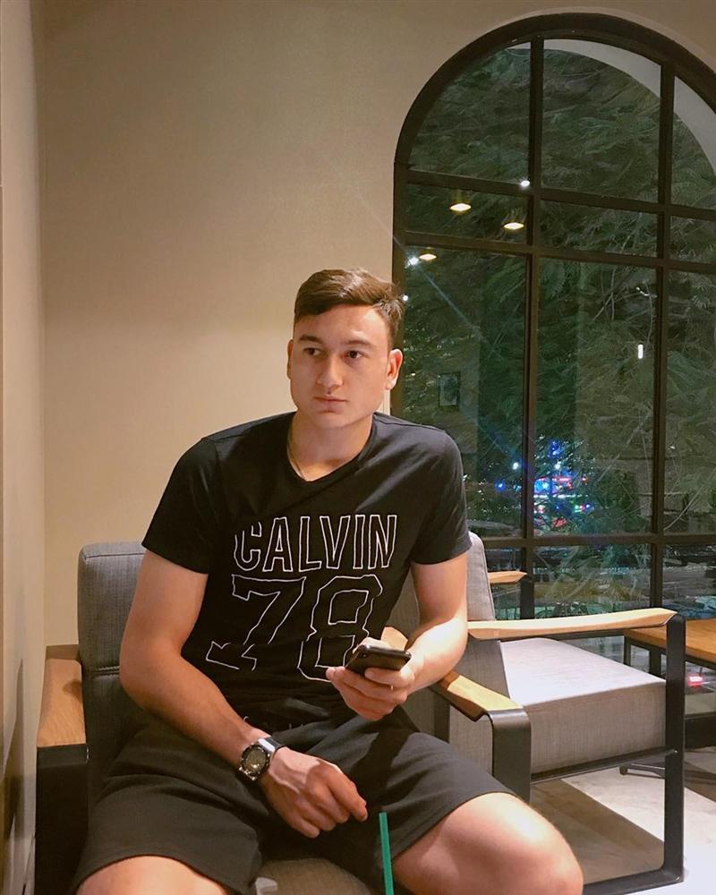 4 anh chàng lai Việt - Nga đẹp trai, cao ráo được ví như cực phẩm-8