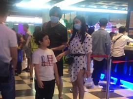 Xác nhận đã ly hôn, Tim - Trương Quỳnh Anh vẫn ở cùng nhà, xem phim cùng nhau như thuở nồng nàn