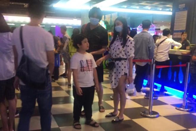 Xác nhận đã ly hôn, Tim - Trương Quỳnh Anh vẫn ở cùng nhà, xem phim cùng nhau như thuở nồng nàn-1