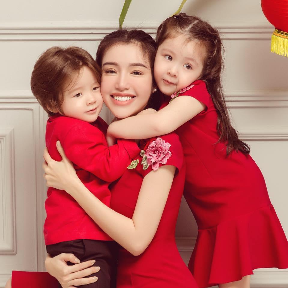 Mới 4 tuổi nhưng công chúa nhỏ của Elly Trần bắn tiếng Anh người lớn còn phải học hỏi-1