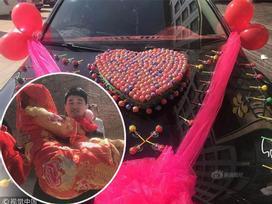Chỉ với 520 cây kẹo mút đã có được con gái nhà người ta, anh chàng lập kỷ lục với màn cưới vợ không thể 'lãi' hơn