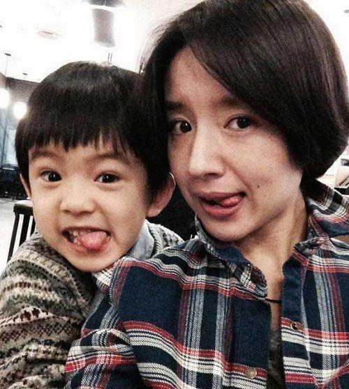 Con trai Hoàng hậu Đổng Khiết ngày càng điển trai, đáng yêu-4