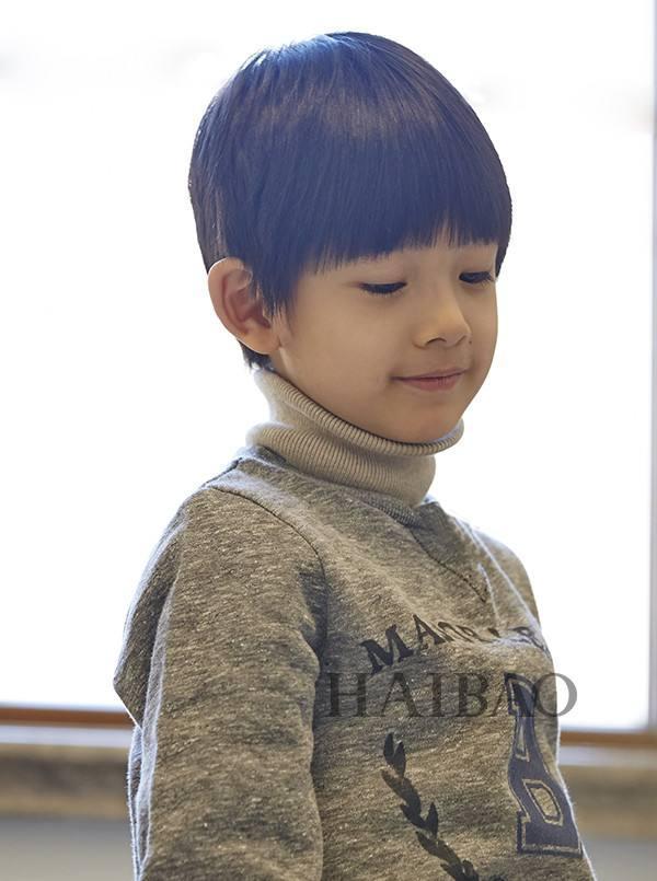 Con trai Hoàng hậu Đổng Khiết ngày càng điển trai, đáng yêu-5