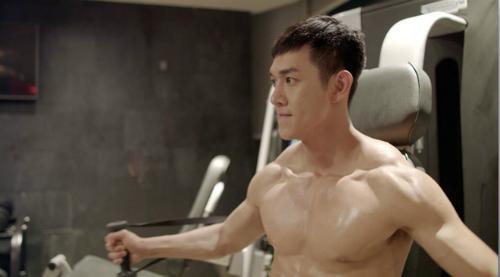 Song Luân: Nếu kỳ vọng có Song Joong Ki thứ hai thì đừng xem Hậu duệ mặt trời-2
