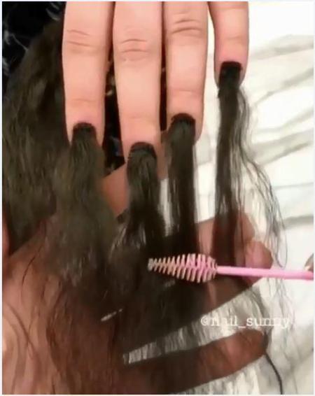 Gắn tóc cho móng tay - xu hướng làm đẹp kinh dị khiến nhiều người lạnh gáy - ảnh 2