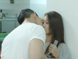 'Hậu duệ mặt trời' Việt Nam: Ngất ngây với nụ hôn 'nếm rượu' ngọt ngào của Song Luân và Khả Ngân