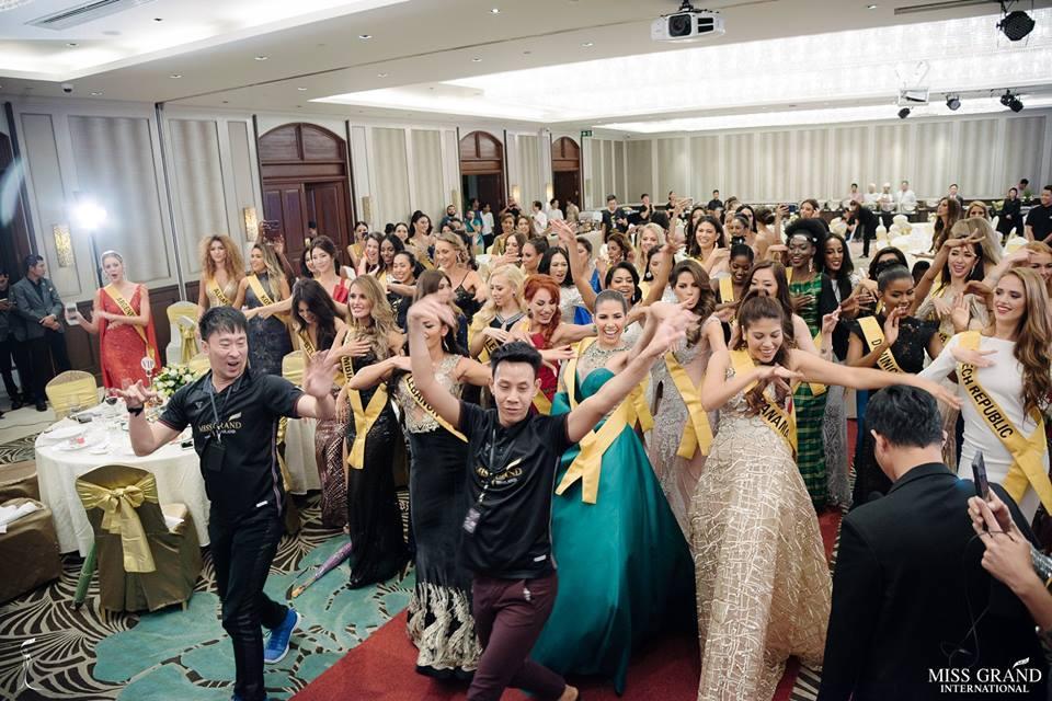 Giỏi nhảy nhưng lại bị bắt hát, Bùi Phương Nga vẫn tự tin cầm mic bất chấp nốt cao chênh vênh tại Miss Grand 2018-9