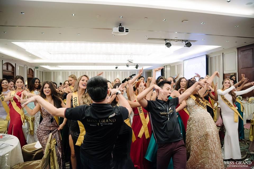 Giỏi nhảy nhưng lại bị bắt hát, Bùi Phương Nga vẫn tự tin cầm mic bất chấp nốt cao chênh vênh tại Miss Grand 2018-10